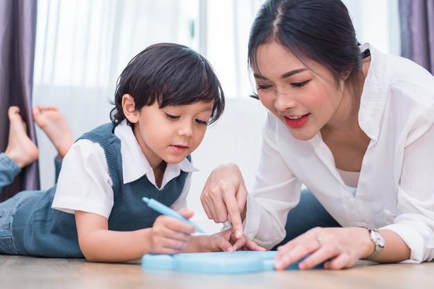 4 cách mẹ dạy con ngoan ngoãn mà không cần dùng roi vọt