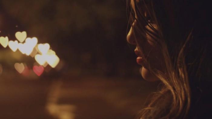 Em sẽ không vì phút yếu lòng ở bên một người không tình yêu