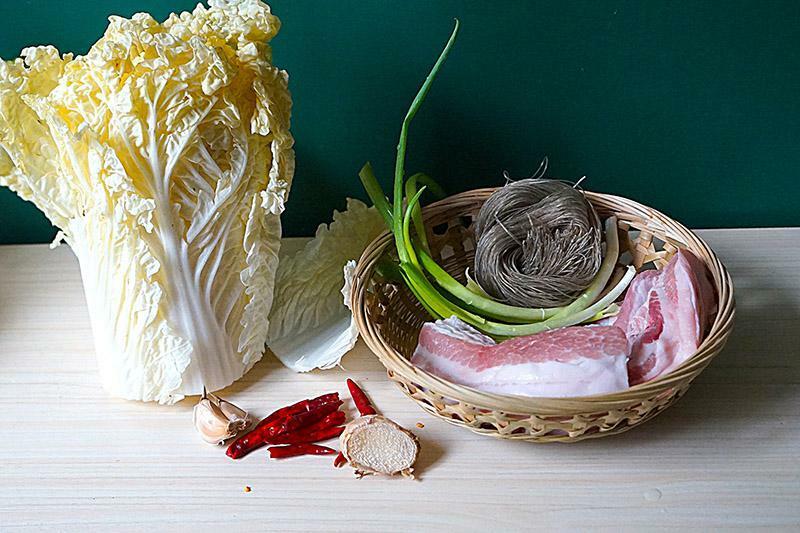 Thịt heo hầm với nguyên liệu rẻ tiền này vừa lạ miệng hao cơm lại bổ dưỡng