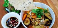 Cách nấu mì quảng chay thơm ngon đơn giản chuẩn vị miền Trung