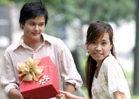 ''Vò đầu bứt tai'' vì Valentine trắng